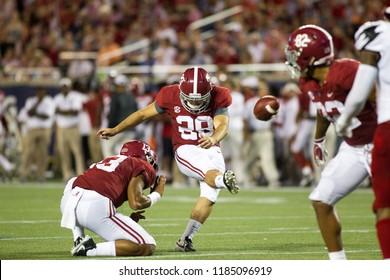 Players-Alabama Football Campingworld Kickoff September 1st, 2018 in Orlando Florida -USA Alabama Crimson Tide Vs. Louisville Cardinals