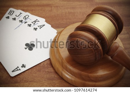 playing-cards-judge-gavel-close-450w-109