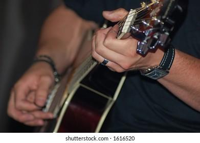 Playing guitar dof