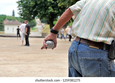 Playing jeu de boules in France, Europe