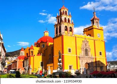 Plaza de la Paz and Cathedral Basilica Colegiata de Nuestra Senora de Guanajuato, Guanajuato, Mexico. UNESCO world heritage site