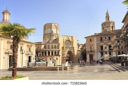 Plaza de la Virgen including Turia Fountain and Cathedral of Valencia, Spain