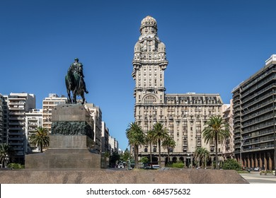 Plaza Independencia and Palacio Salvo -  Montevideo, Uruguay