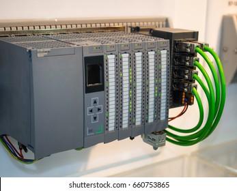PLC-Programmierlogik für die Hochtechnologie-Fertigung