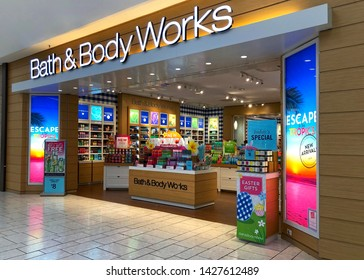 Pleasanton, CA - April 01, 2019: Bath and Body Works store entrance. Bath & Body Works, LLC is an American retail store under the L Brands umbrella. It was founded in 1990 in New Albany, Ohio