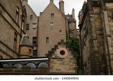A pleasing blend of architectural styles in Edinburgh Old Town.