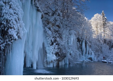 Plitvice lakes national park in winter on a beautiful sunny day - Croatia (Hrvatska, Kroatien)