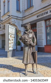 """PLOCK, POLAND. SEPTEMBER 2018: statue of Mira Ziminska - Sygietynska, polish actress, director and teacher, co-founder and in years 1957-1997 director of the National Song and Dance Ensemble """"Mazovia"""""""