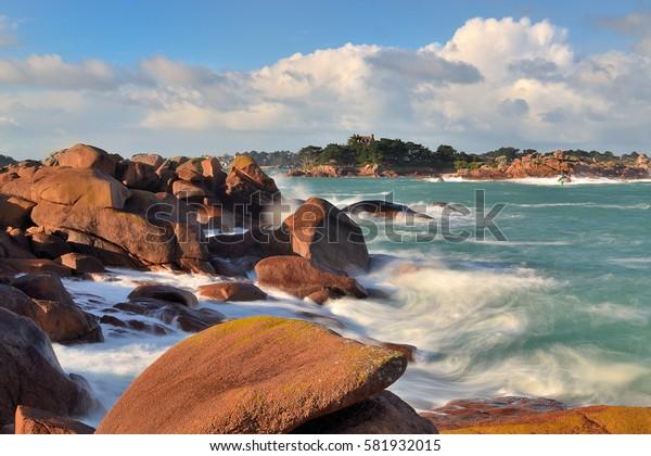 Ploumanac'h: the pink granite coast