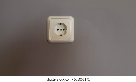 plugs electricity wall house