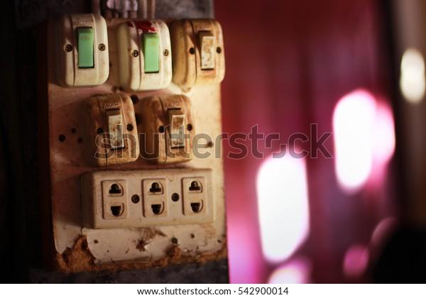 Plugs old danger