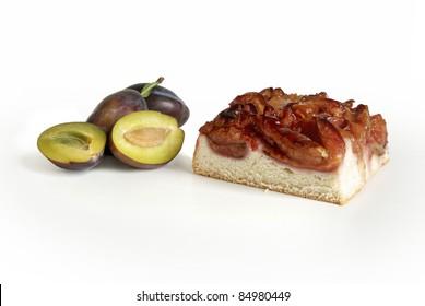 Plum cake with sliced plum