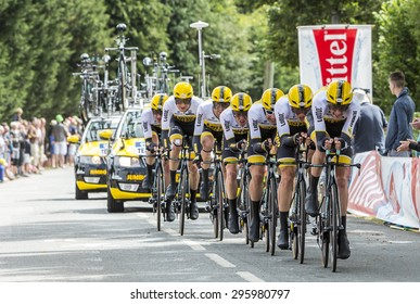 PLUMELEC,FRANCE - JUL 12:Team LottoNL Jumbo riding the Team Time Trial stage between Plumelec and Vannes, during Tour de France on 12 July, 2015.