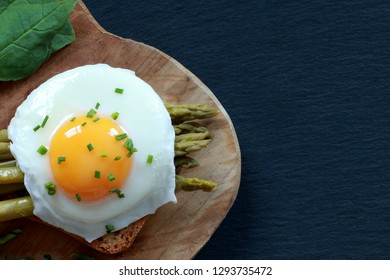 Poached Egg with Spinach for Breakfast