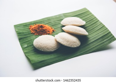 Podi idli is a quick and easy snack made with leftover idly. served with sambar and coconut chutney. selective focus