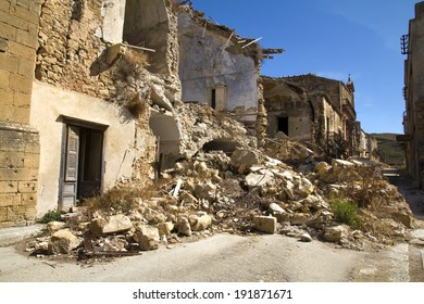 Poggioreale, old ghost town hit by an earthquake