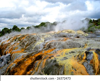 Pohutu Geyser, Whakarewarewa Thermal Reserve, Rotorua, New Zealand