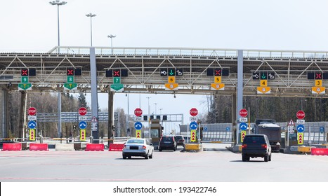Point payment of travel on toll road with riding vehicles