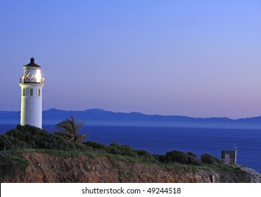 Point Vicente lighthouse at night