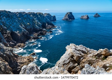 Pointe de Pen-Hir is located three kilometres southwest of Camaret, this spectacular and sublime headland is bounded by steep, sheer sea cliffs - Pointe de Pen-Hir, La Finistère, Brittany, France