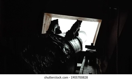 Point-of-view from a bronze cannon on a 17th century warship.