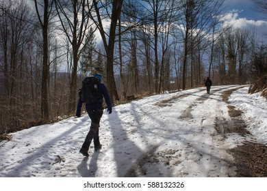 Poland, Carpathians, tourists on the trail in winter