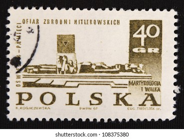POLAND - CIRCA 1967: A stamp printed in Poland shows Statue, circa 1967