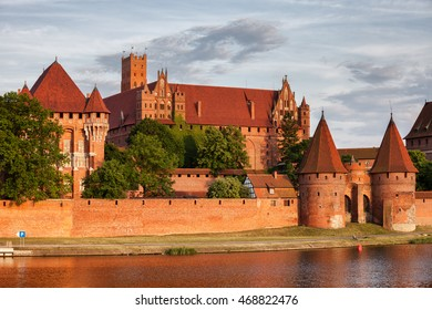Poland, Malbork Castle at Nogat River, High Castle and Grand Master's Palace, Teutonic Knights medieval headquarters