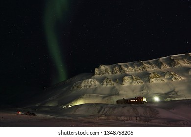 Polar light ovet the Longyearbyen