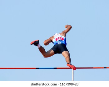pole vault male athlete record successful attempt
