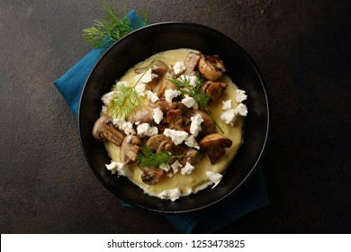 Polenta dish with mushrooms