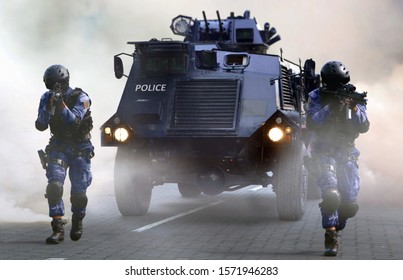 Police special force on the move during special opps