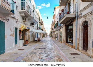 POLIGNANO A MARE, ITALY - 08 FEBRUARY 2018: Tiny streets in the historical part of Polignao A Mare town. Italy.