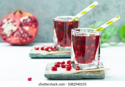 Pomegranate juice, red Smoothie with berries