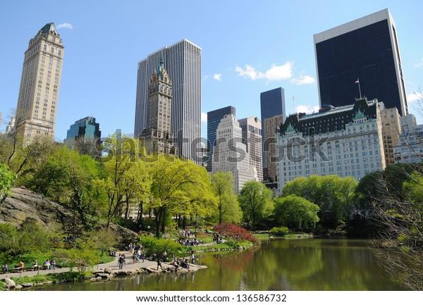 Pond Central Park New York City Buildings Landmarks Stock Image 136586732