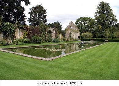 pond, Sudeley Castle garden, Gloucestershire, England