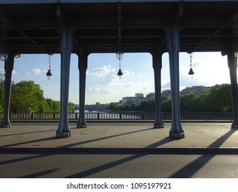 The pont de Bir-Hakeim (the pont de Passy) bridge in Paris.