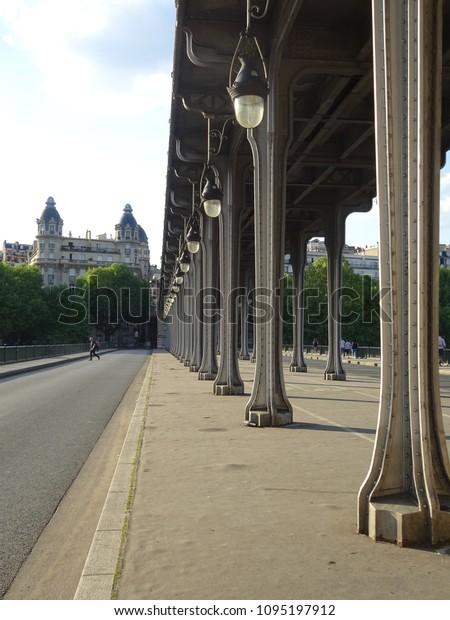 Pont De Birhakeim Pont De Passy Stock Photo Edit Now
