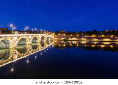 Pont Neuf in Toulouse. Toulouse, Occitanie, France.