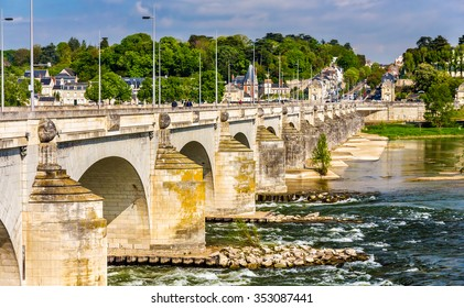 Pont Wilson in Tours - France, Region Centre
