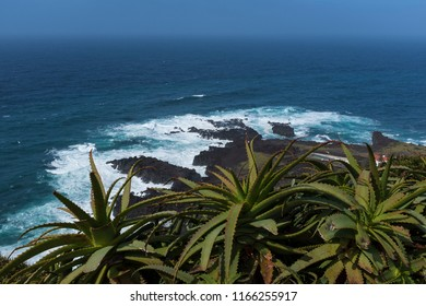 Ponta da Ferraria, Sao Miguel, Azoers, a place where thermal hot springs are based in the ocean.