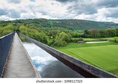 Pontcysyllte Aqueduct carrying the Llangollen canal near Wrexham, North Wales.