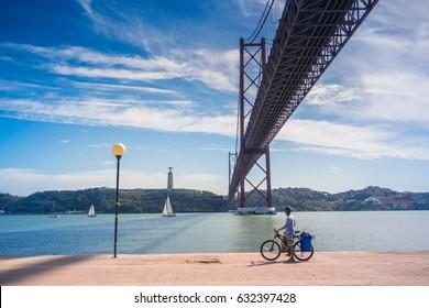 Ponte 25 de Abril, Lisbon - Portugal.