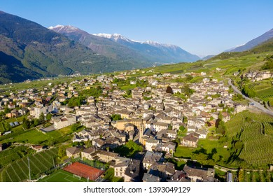 Ponte in Valtellina (IT) - Aerial view of the town and the valley