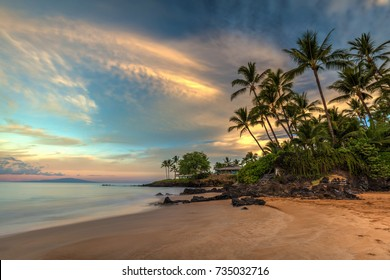Po'olenalena beach Sunrise. long exposure of this beautiful and idyllic beach at dawn. Located on the south shore of Maui, Hawaii