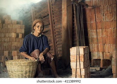 Poor Labor in Brick Kiln : Thailand