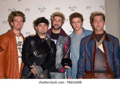 Pop group NSYNC at the 28th Annual American Music Awards in Los Angeles. 08JAN2001.   Paul Smith/Featureflash