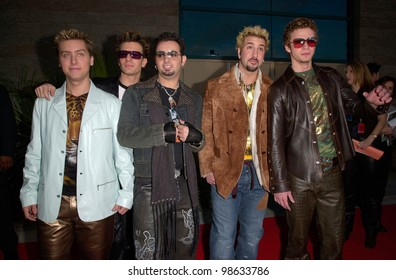 Pop group *NSYNC at the Billboard Music Awards at the MGM Grand Las Vegas. 05DEC2000.   Paul Smith/Featureflash