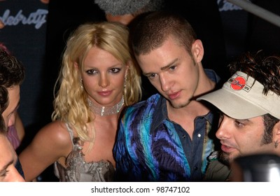 Pop star BRITNEY SPEARS & boyfriend NSync star JUSTIN TIMBERLAKE at party in West Hollywood for the launch of NSync's new album Celebrity. 23JUL2001  Paul Smith/Featureflash