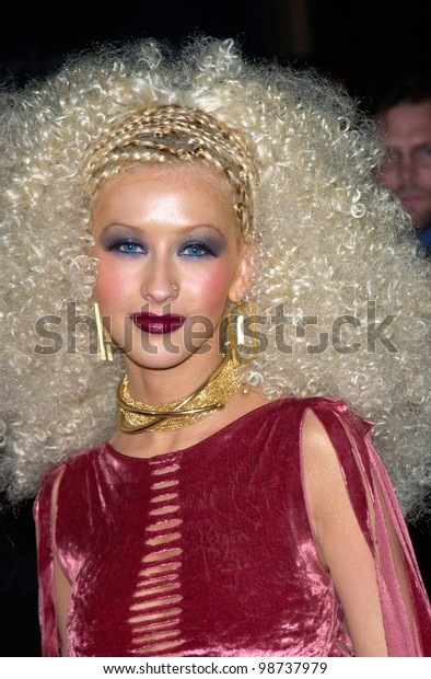 Pop star CHRISTINA AGUILERA at the 2001 Blockbuster Awards in Los Angeles. 10APR2001.    Paul Smith/Featureflash